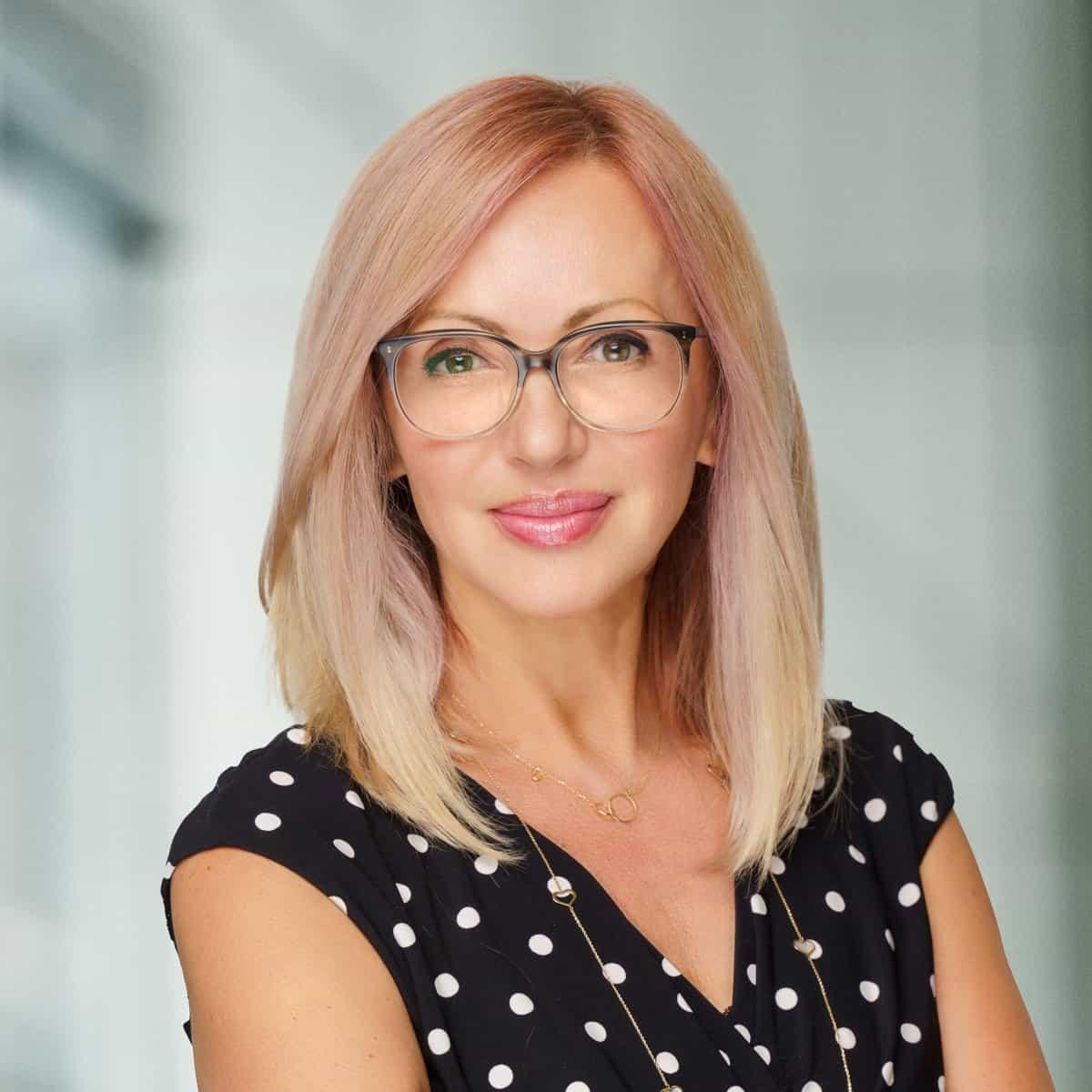 Professional LinkedIn Headshots Torontots Toronto